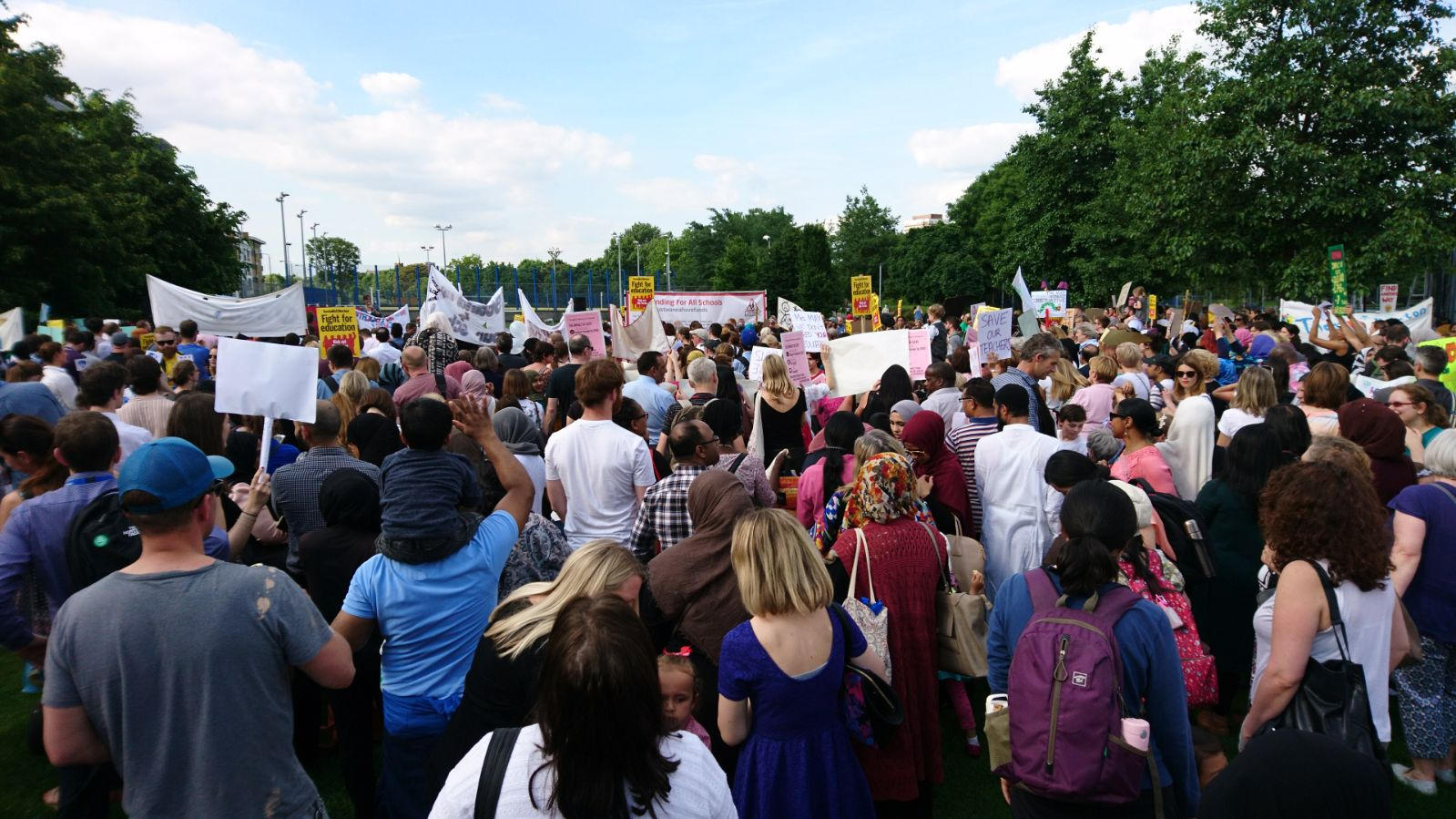 Tower Hamlets rallies against education cuts